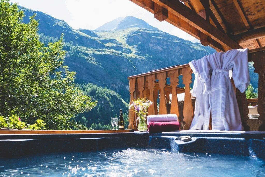 Robe for Hot Tub Buying Guide