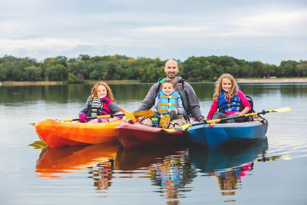 3 kids on 3 kayaks